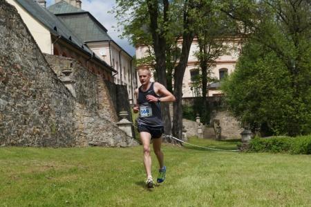 Zwycięzca Biegu Głównego Hubert Wierdak zKorczyny