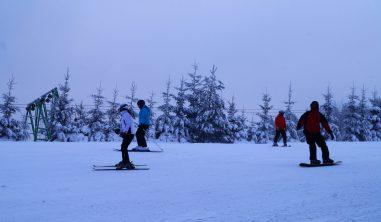 Mroźny wyjazd narciarski doKarlikowa.