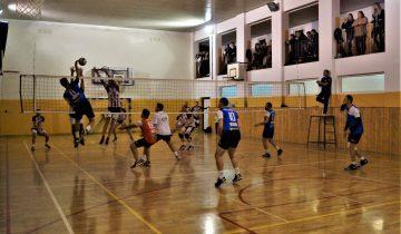 BALS: Udany powrót Volley Wiśniowa. Hogs Euro Sklep zwyciężył wdebiucie.