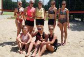 Siatkarki walczyły zupałem. Flaga iNiedziałek wygrały Mistrzostwa Gminy Boguchwała wSiatkówce Plażowej Kobiet.