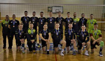 Siatkarze Lubczy odebrali brązowe medale. Pewne zwycięstwo nazakończenie rozgrywek.